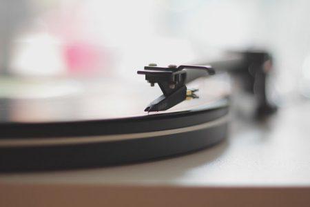 親の影響で歌える70〜80年代曲・歌手7選